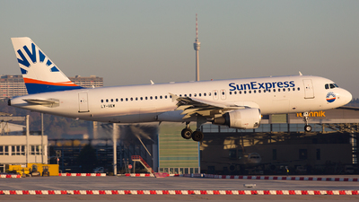 LY-VEW - Airbus A320-214 - SunExpress (Avion Express)
