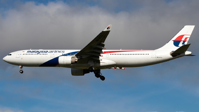 9M-MTH - Airbus A330-323 - Malaysia Airlines