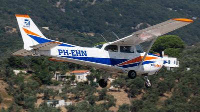 A picture of PHEHN - Cessna F172M Skyhawk - [01186] - © Fryderyk Kastelnik/ Fred Aviation