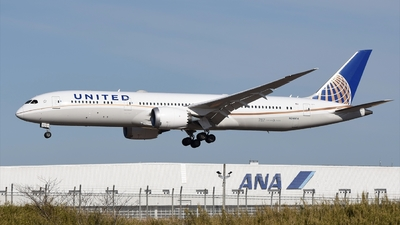 A picture of N24974 - Boeing 7879 Dreamliner - United Airlines - © Akihiko Takahashi