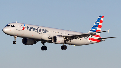 A picture of N167US - Airbus A321211 - American Airlines - © Agustin Anaya