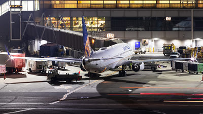 N68805 - Boeing 737-924ER - United Airlines