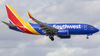 A picture of N953WN - Boeing 7377H4 - Southwest Airlines - © Nelson Mejia