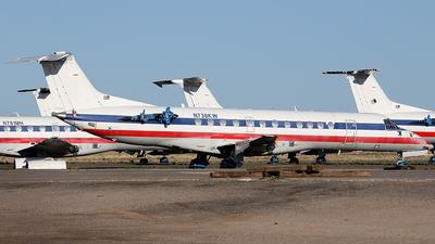N730KW - Embraer ERJ-135ER - American Eagle