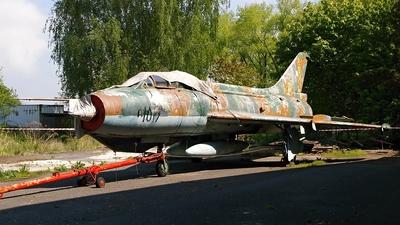 1017 - Sukhoi Su-7U Moujik - Czechoslovakia - Air Force