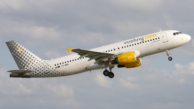 A picture of ECMBD - Airbus A320214 - Vueling - © Alewx