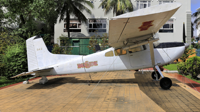 042 - Cessna U-17 - Vietnam - Air Force