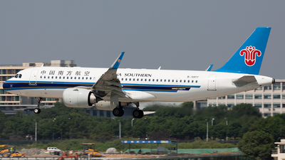 B-30CC - Airbus A320-251N - China Southern Airlines