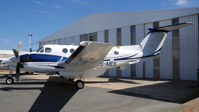 ZS-MES - Beechcraft 200 Super King Air - Private