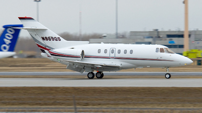 A picture of N889QS - Hawker 900XP - NetJets - © Dutch