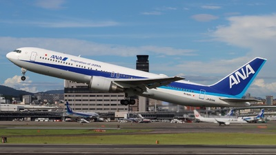 A picture of JA604A - Boeing 767381(ER) - All Nippon Airways - © PENG787