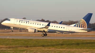 A picture of N157SY - Embraer E175LR - United Airlines - © Andrew Hutnyan