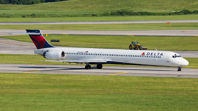 N936DN - McDonnell Douglas MD-90-30 - Delta Air Lines