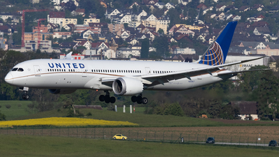 A picture of N26967 - Boeing 7879 Dreamliner - United Airlines - © Luis Singer