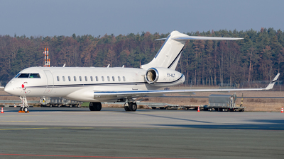 T7-KLT - Bombardier BD-700-1A10 Global 6000	 - Private