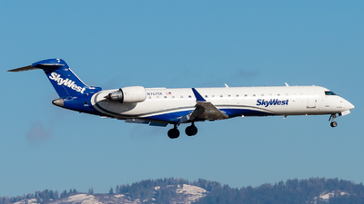 A picture of N767SK - Mitsubishi CRJ701ER - SkyWest Airlines - © Nick Sheeder