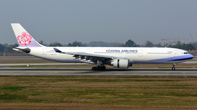 A picture of B18310 - Airbus A330302 - China Airlines - © F3E1988