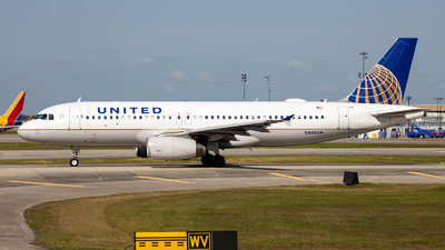 A picture of N460UA - Airbus A320232 - United Airlines - © GFB