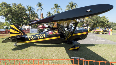TG-TOY - American Champion 8KCAB Super Decathlon - Private