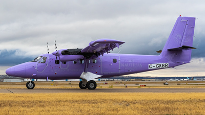 C-GKBR - De Havilland Canada DHC-6-300 Twin Otter - Manta Air