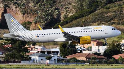 A picture of ECNAV - Airbus A320271N - Vueling - © Román A. Pérez