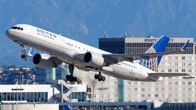 N590UA - Boeing 757-222 - United Airlines