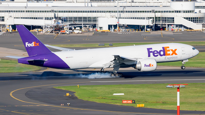 A picture of N869FD - Boeing 777FS2 - FedEx - © Mark B Imagery