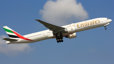 A6-ENP - Boeing 777-31HER - Emirates