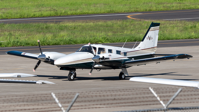 A picture of N213LR - Piper PA34220T - [3449033] - © Cristian Quijano