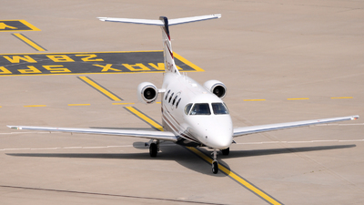 D-IEMO - Hawker Beechcraft 390 Premier I - Privateways