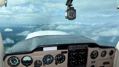 PR-FFN - Cessna 152 - Escola Paranaense de Aviação