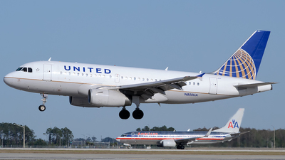 N850UA - Airbus A319-131 - United Airlines