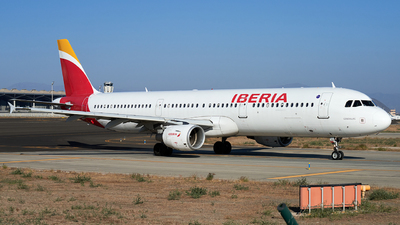 A picture of ECJQZ - Airbus A321212 - Iberia - © Fernando Roca