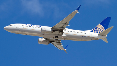 A picture of N79541 - Boeing 737824 - United Airlines - © Jeremy D. Dando