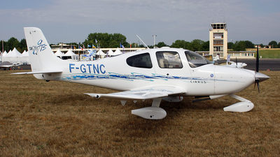 A picture of FGTNC - Cirrus SR20 - [1701] - © Terry Figg