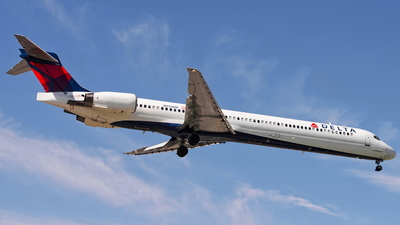 N954DN - McDonnell Douglas MD-90-30 - Delta Air Lines