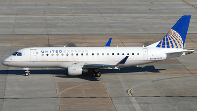A picture of N84307 - Embraer E175LR - United Airlines - © Jason Whitebird