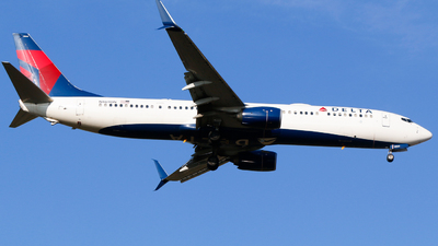 A picture of N869DN - Boeing 737932(ER) - Delta Air Lines - © Alec Mollenhauer
