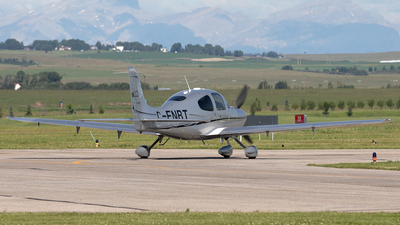 C-FNBT - Cirrus SR22 - Private