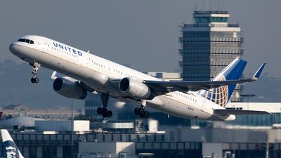 N19117 - Boeing 757-224 - United Airlines