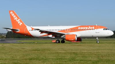 G-EZUS - Airbus A320-214 - easyJet