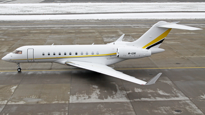 M-IUNI - Bombardier BD-700-1A10 Global 6000 - Private