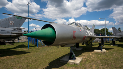 10 - Mikoyan-Gurevich MiG-21PFM Fishbed - Poland - Air Force