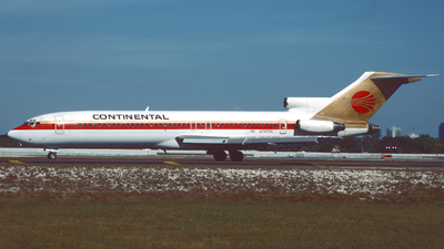 N79754 - Boeing 727-227(Adv) - Continental Airlines