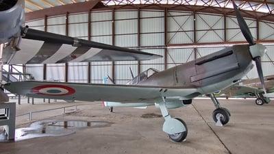 03 - Dewoitine D-520 - France - Air Force