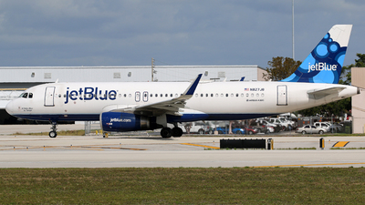 A picture of N827JB - Airbus A320232 - JetBlue Airways - © Brian T Richards