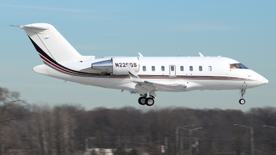 N225QS - Bombardier CL-600-2B16 Challenger 650 - NetJets Aviation