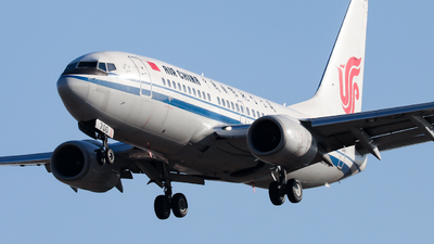 A picture of B2700 - Boeing 73779L - Air China - © Sun Wenyuan