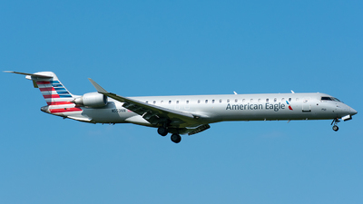 A picture of N553NN - Mitsubishi CRJ900LR - American Airlines - © Wes B