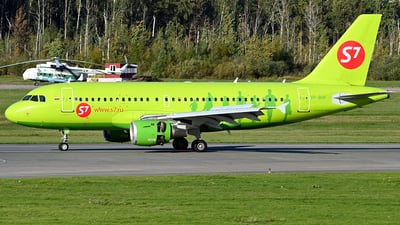 A picture of VPBHF - Airbus A319114 - S7 Airlines - © Luba Ostrovskaya